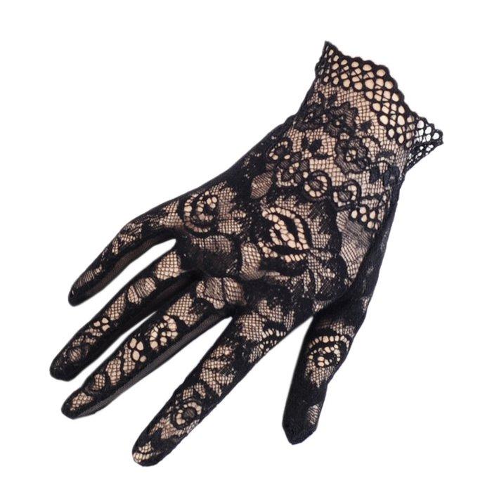 Black lace gloves  c586e6708