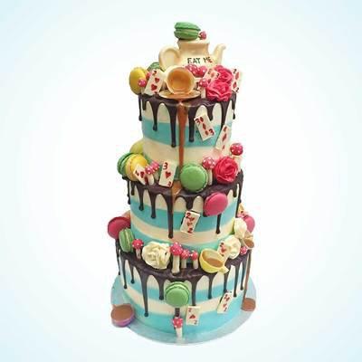Alice in Wonderland Cake