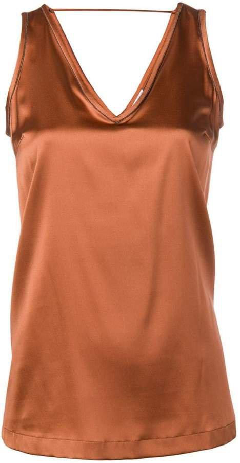 sleeveless top
