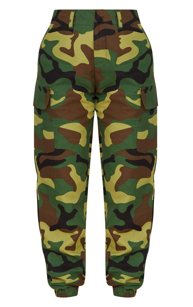 Petite Green Camo Print Cargo Pants   PrettyLittleThing USA