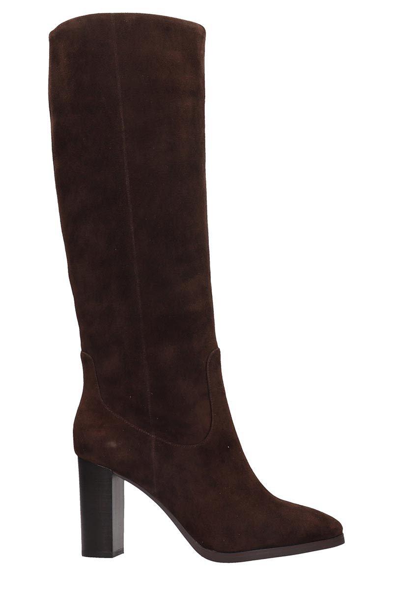 Lola Cruz Boots In Brown Suede