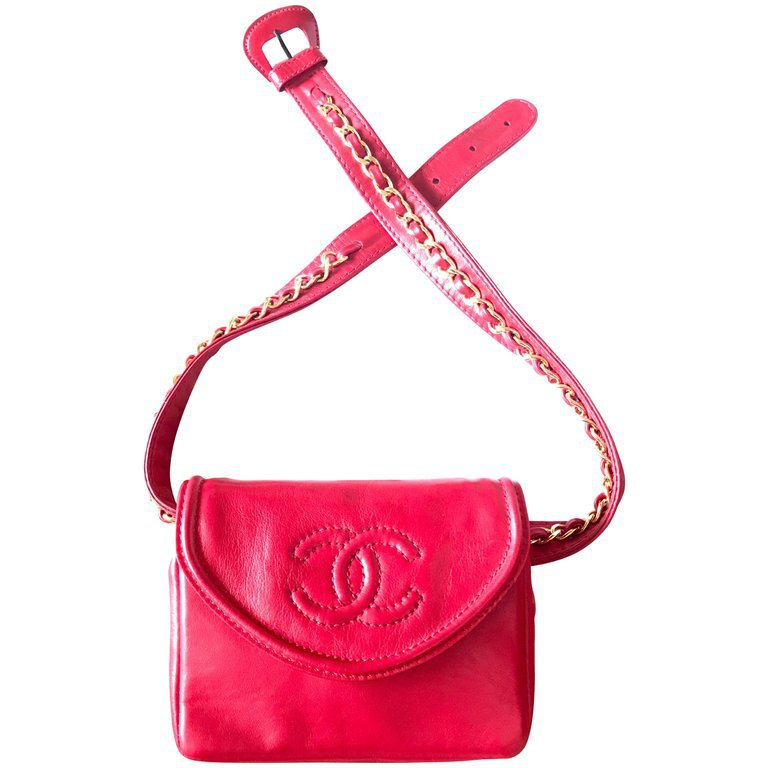 Chanel Vintage red leather belt bag / fanny pack with CC stitch mark and chains For Sale at 1stdibs