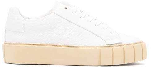 Primury - Dyo Grained Leather Trainers - Womens - White
