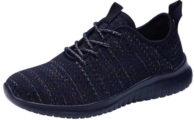 black tennis shoe