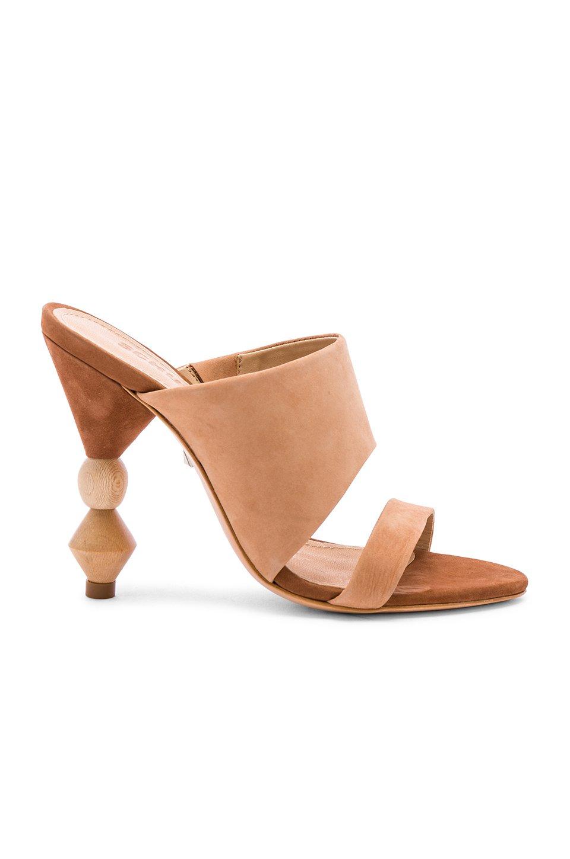 Tosca Heel