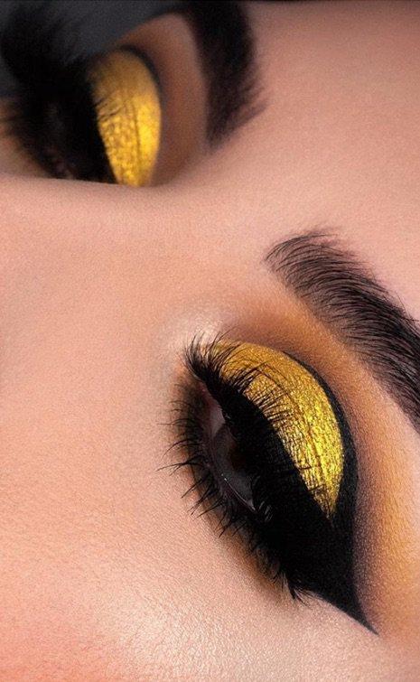bee vibe eye makeup