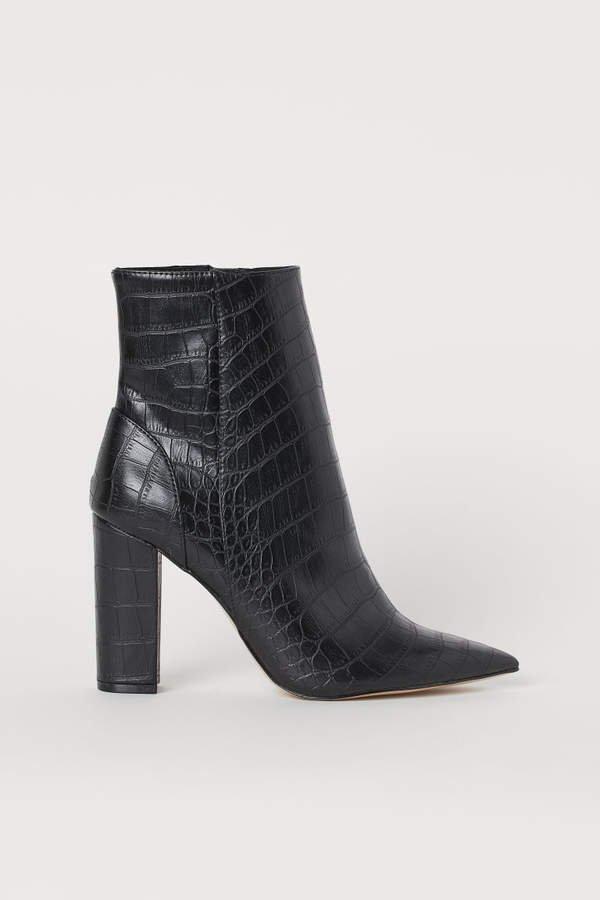 Crocodile-pattern Ankle Boots - Black