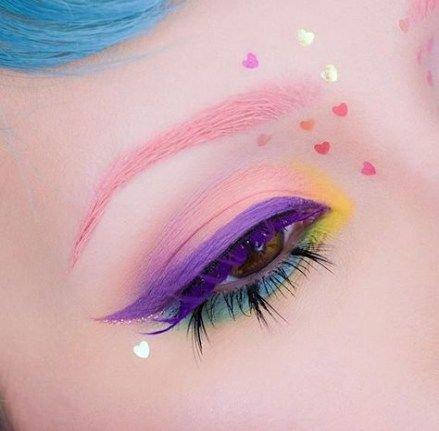 Pastel Goth Eye Makeup
