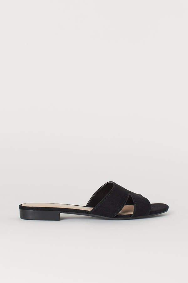 Low-heeled Sandals - Black