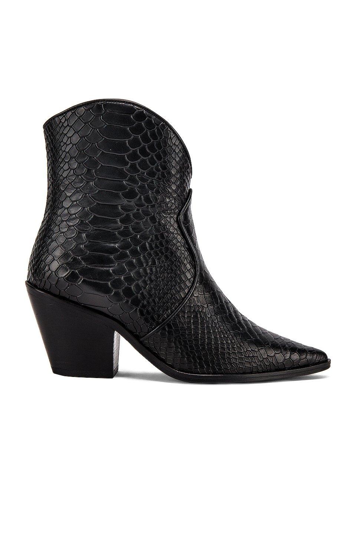 Easton Boots