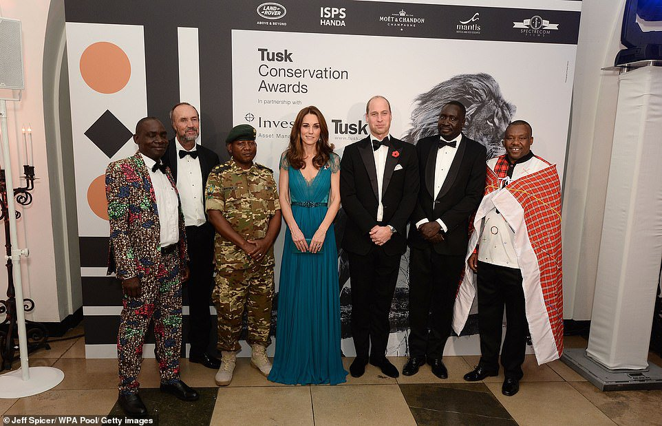 Kate recycles SIX-YEAR-OLD Jenny Packham dress for Tusk awards | Daily Mail Online