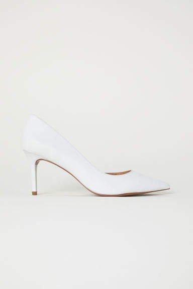 Pumps with Pointed Toes - White