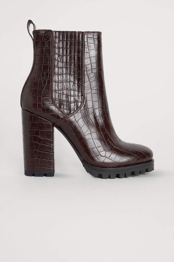 Block-heeled Ankle Boots - Red