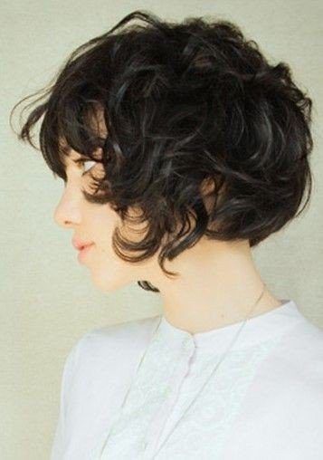 Messy-Curly-Hairstyle-Asian-Short-Haircut