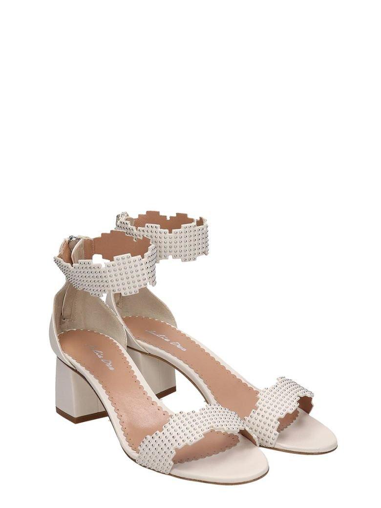 Julie Dee Julie Dee White Leather Sandals - white - 10922502 | italist