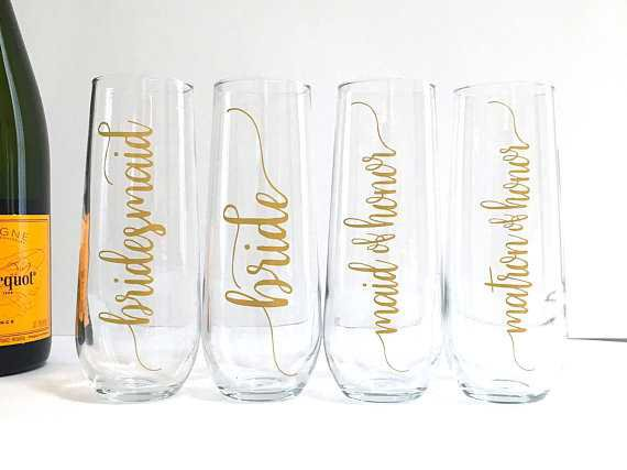 Bridesmaid Champagne Flutes Personalized Maid of Honor Bride
