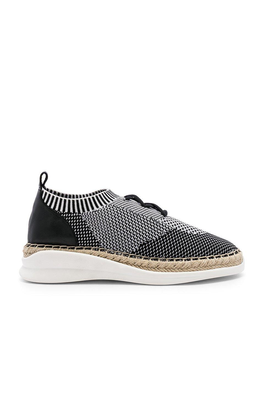 Affina Sneaker