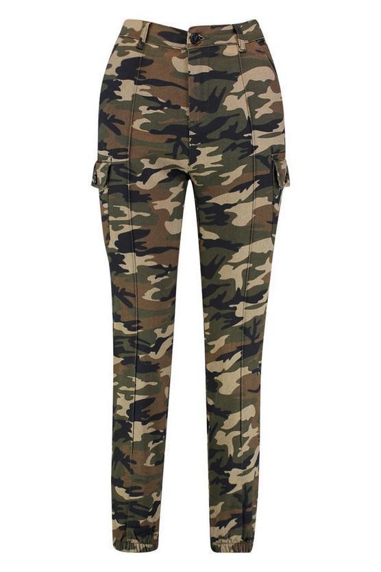 Camo Print Elasticated Hem Cargo Trousers | Boohoo