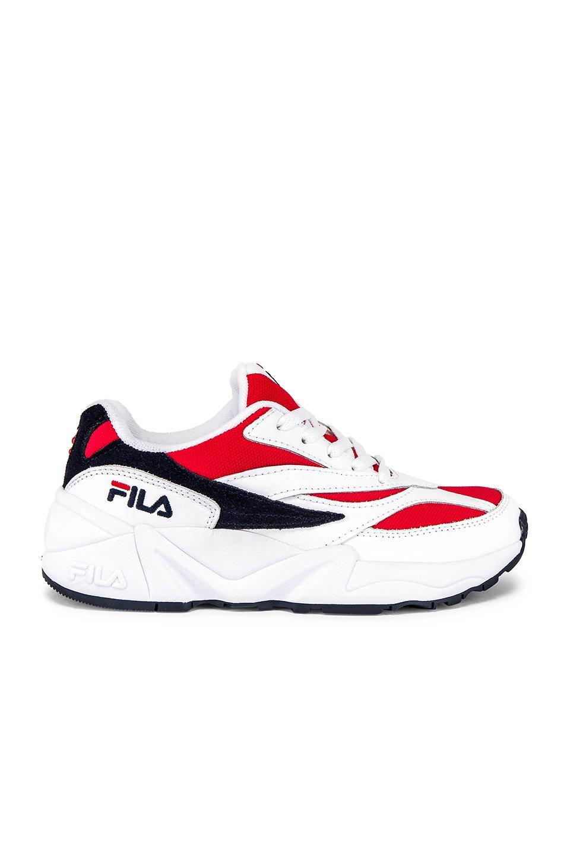 V94M Sneaker
