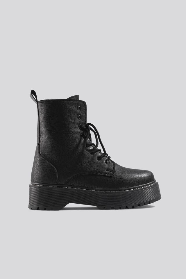 Chunky Rubber Sole Combat Boots Black | na-kd.com