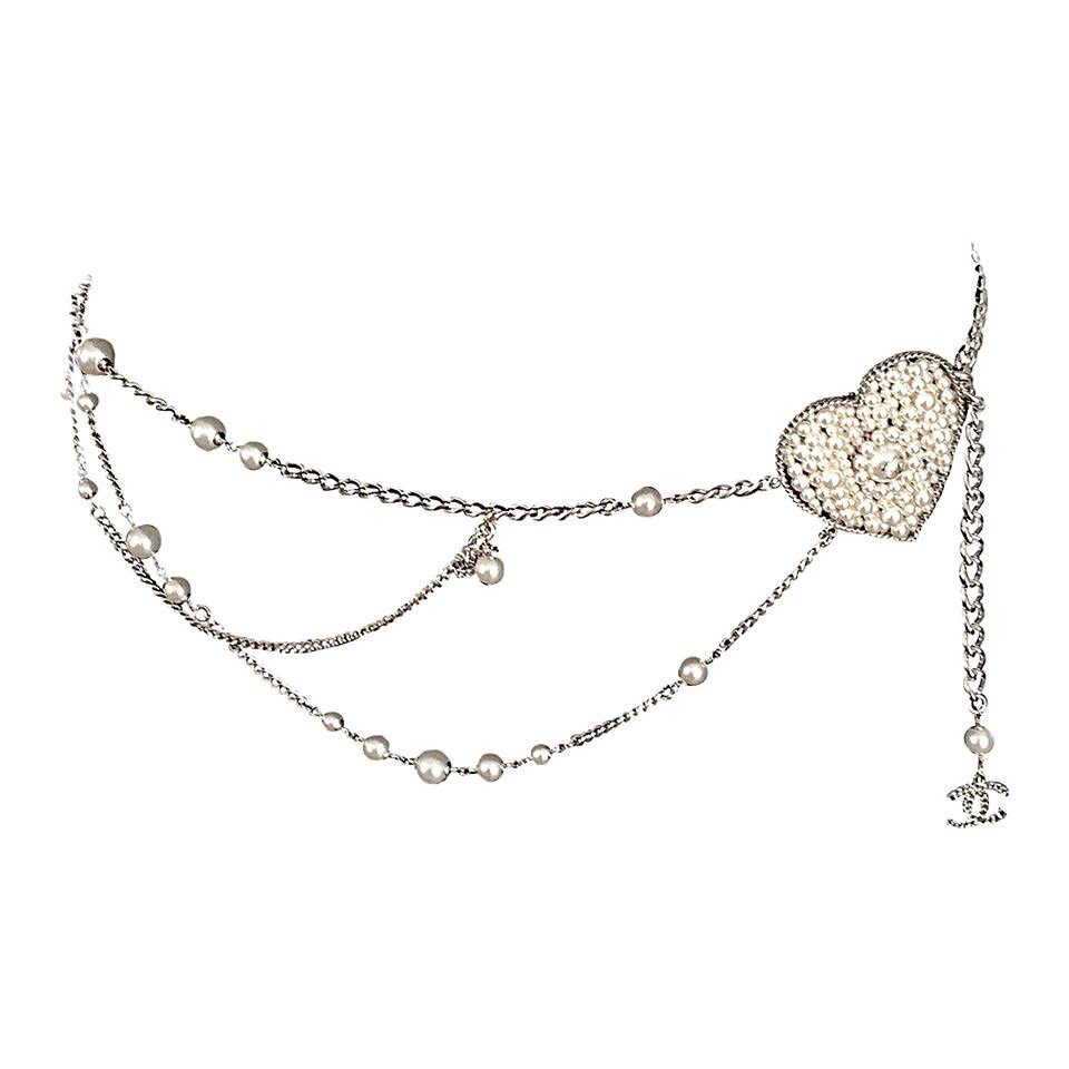 Chanel Important Silver Tone Chain and Pearl Heart Sautoir Belt