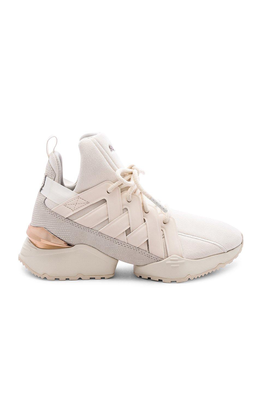 Muse Echo Escape Sneaker