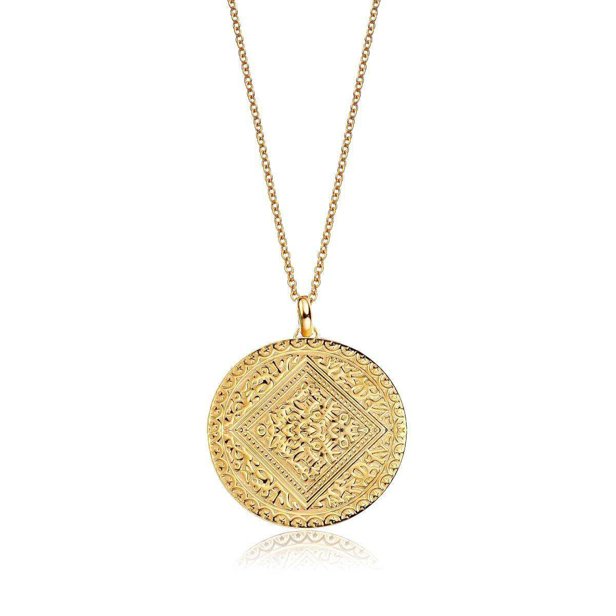 French-Girl Style—Gold Pendant Necklace | Who What Wear UK