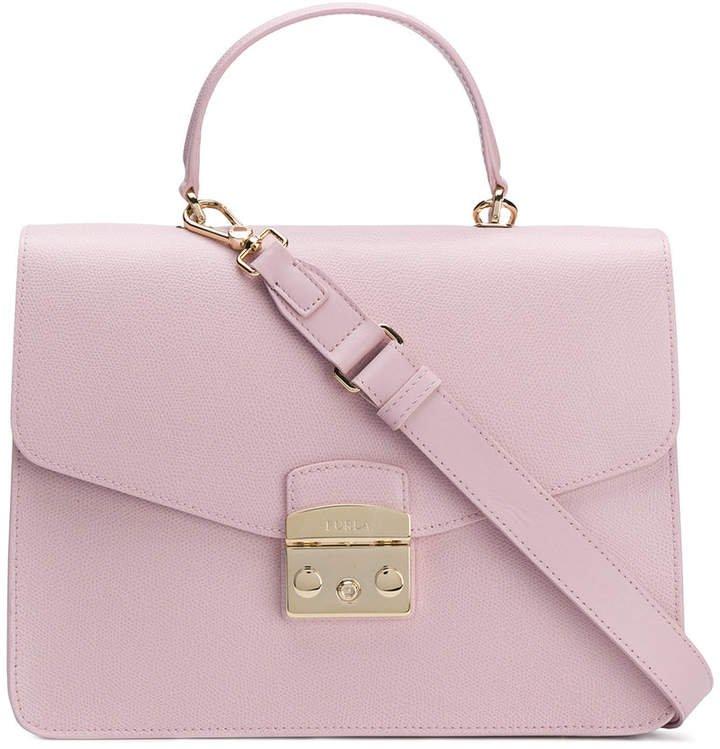 square shaped shoulder bag