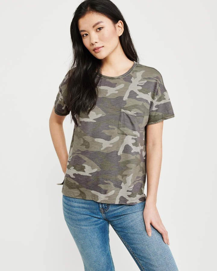 A&F Women's Drop-Shoulder Camo Pocket Tee in Olive Green Green CAMO - Size XS