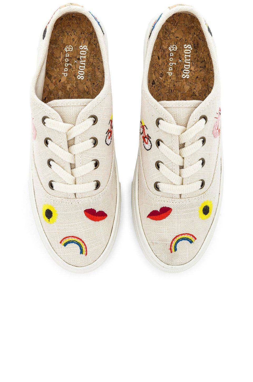 Embroidered Porto Sneaker