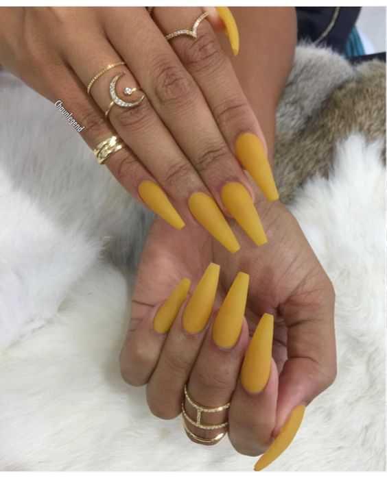 Long matte yellow nails - LadyStyle